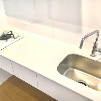 シンクがコンパクトなのでこまめに洗い物をしましょう