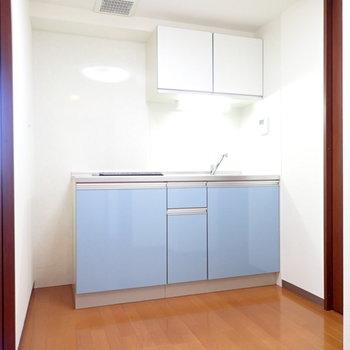 水色のキッチン!かわいい!