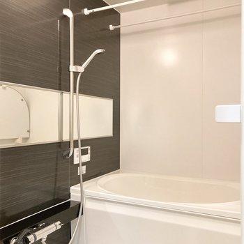 浴室乾燥機、追い焚き機能付きのバスルーム◎