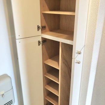 シューズboxは大容量◯傘用のスペースもあります。