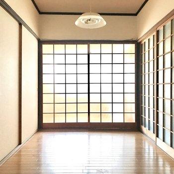 【1F洋室4.5帖】となりの6帖のお部屋と、開け放っていっしょに使っても◎