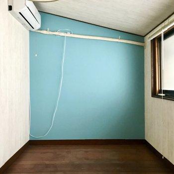 【3F洋室4.5帖】3階のお部屋には、いちばん空に近い空間にふさわしい色を。