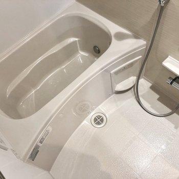 追焚きと浴室乾燥機付き。