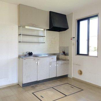 【LDK】キッチンは隅の方に。