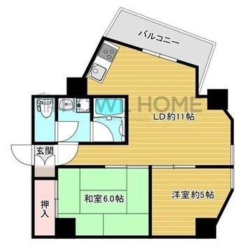 角がいっぱいのお部屋。LDKがなかなか個性的です。 ※反転間取りです。