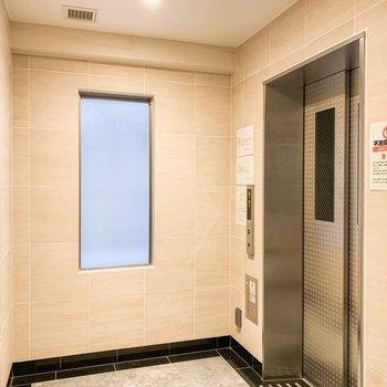 13階まではエレベーターです。