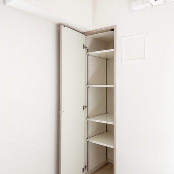 【LDK】入口右手にもありましたよ。※写真は11階の同間取り別部屋のものです