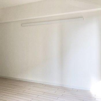 ベッドは縦向きに置こうかな◯(※写真は5階の同間取り別部屋のものです)