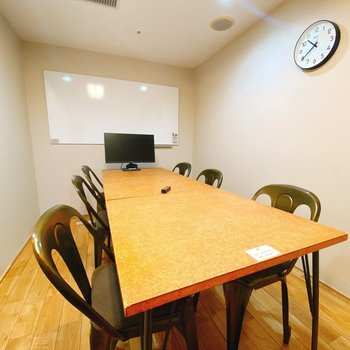貸会議室① 2つの大きさの会議室があり使い分けることも可能です!
