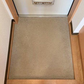 スペース十分な靴置き場です※写真は1階の同間取り別部屋のものです