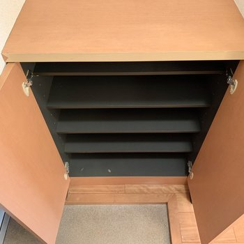 シューズボックスの容量も大きめになります※写真は1階の同間取り別部屋のものです