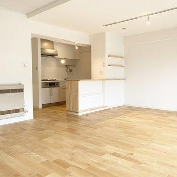 【LDK】広々していて、大きい家具をどんと置きたいですね。※写真は前回募集時のもの