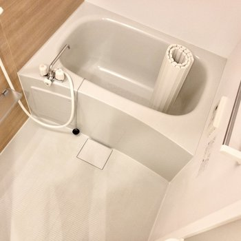 浴室は乾燥機付きでタイマー設定もできちゃうんです。