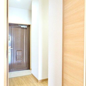さらに玄関の右手にはフリースペースも用意されています!