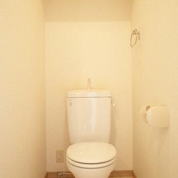 上の棚も活用できます。(※写真は6階の同間取り別部屋のものです)