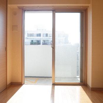 洋室にはどんなカーテンつけようかなぁ(※写真は6階の同間取り別部屋のものです)
