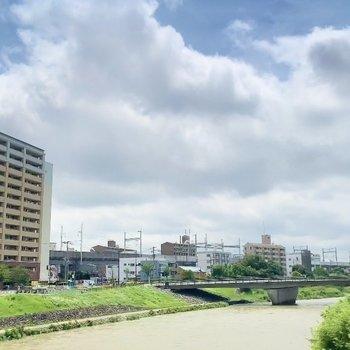 那珂川を渡れば竹下駅です♩