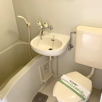 お風呂、洗面、トイレの3点ユニットで、お掃除楽々◎
