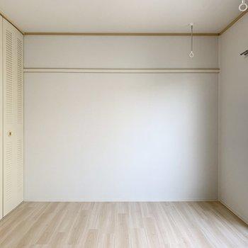 アクセントクロスの対面には長押付でお部屋の飾りに一役買ってくれそうです◎