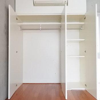 収納はこのサイズが2階と3階に1つずつ。(※写真は同間取り別部屋のものです)