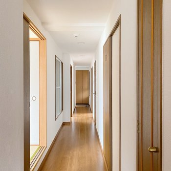 廊下の長さが、なんだか学校みたい。