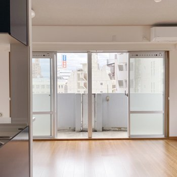 【LDK】大きな窓で開放的なんです。