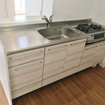 洗った食器に油が跳ねない、いいつくりです。