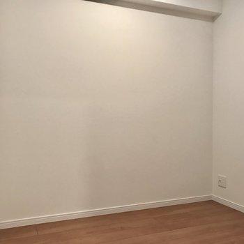 なんとこちらは3帖のサービスルーム!(※写真は4階の同間取り別部屋のものです)