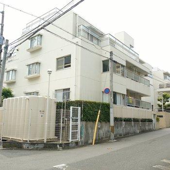 高宮駅から徒歩9分ほど。閑静な住宅街です。