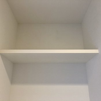 上棚ありました!洗剤など収納できますね。