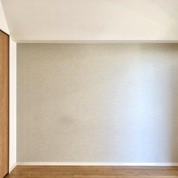 淡いグレーのクロスがお気に入り。上質でお洒落な空間です。