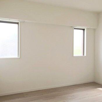 ロフトベッドを置いて2人部屋にするのもいいですね。