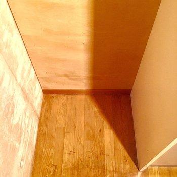 冷蔵庫は奥に置けますよ。※2階別部屋、類似間取りのものです。