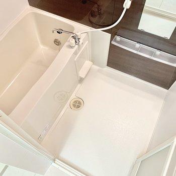 浴室乾燥機、追焚き機能付きです。