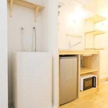 洗濯機、冷蔵庫、レンジなどの必要なものは揃ってます!