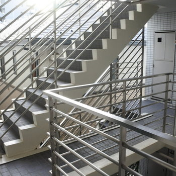 もちろん階段もあります