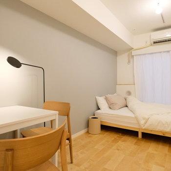 アートや照明の家具も洗練されたものをご用意