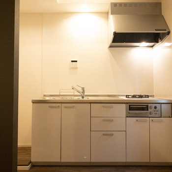 冷蔵庫のスペースもきちんと確保されていますね◎