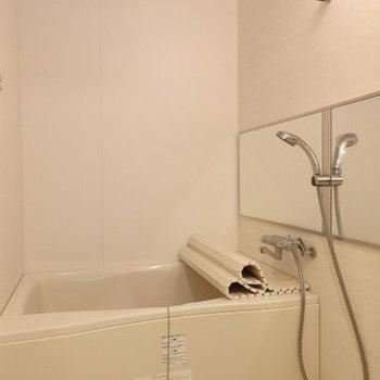広めのお風呂! ※写真は同間取り別部屋のもの、仕様変更あり ※写真は同間取り別部屋のもの、仕様変更あり