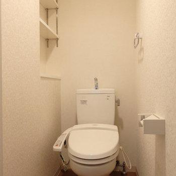 棚とかも便利です ※写真は同間取り別部屋のもの、仕様変更あり