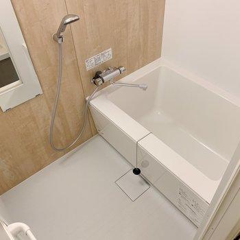 お風呂も少しゆったりめのものを新たに導入。