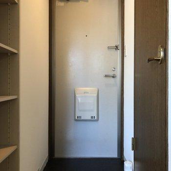 玄関はゆとりがあるスペースです。