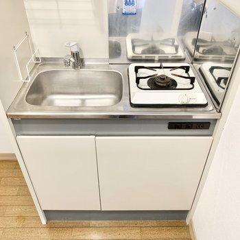 キッチンはコンパクトな1口コンロ。