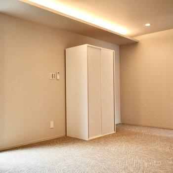 ここら辺にベッドを置くのも◎(※写真は3階の同間取り別部屋のものです)