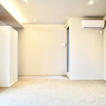 エアコン付きですよ。(※写真は3階の同間取り別部屋のものです)