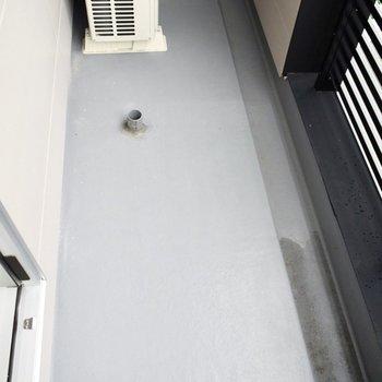 洗濯機はこちらに置きましょうか。(※写真は4階の同間取り別部屋のものです)