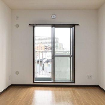 【間取り図左下洋室】寝室として使ってもいいですね◎