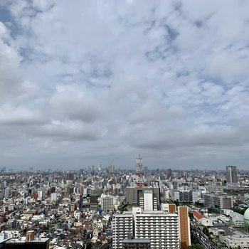 眺望は街を一望できますよ!風が心地い。