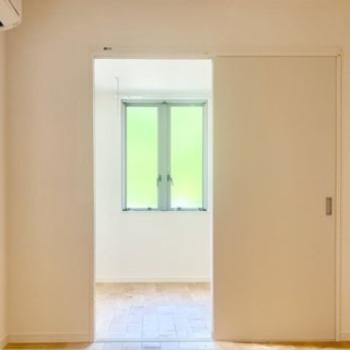 洋室も全面、無垢床なのでお部屋がとってもいい香り◎(※写真は完成イメージです)
