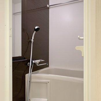 バスルームでは浴室乾燥ができますよ◎